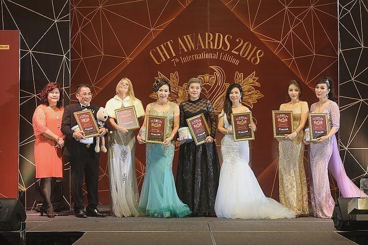From Left: Lui Wai Ling, Alain Tan, Sinead A. Pedersen, Caroline Wong, Caryn Teo, Irene Tey, Vivian Teoh and Datin Peggy Lim.
