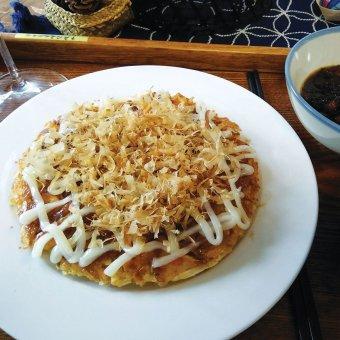 Okonomiyaki with sturgeon/fruits 鲟龙鱼大阪烧