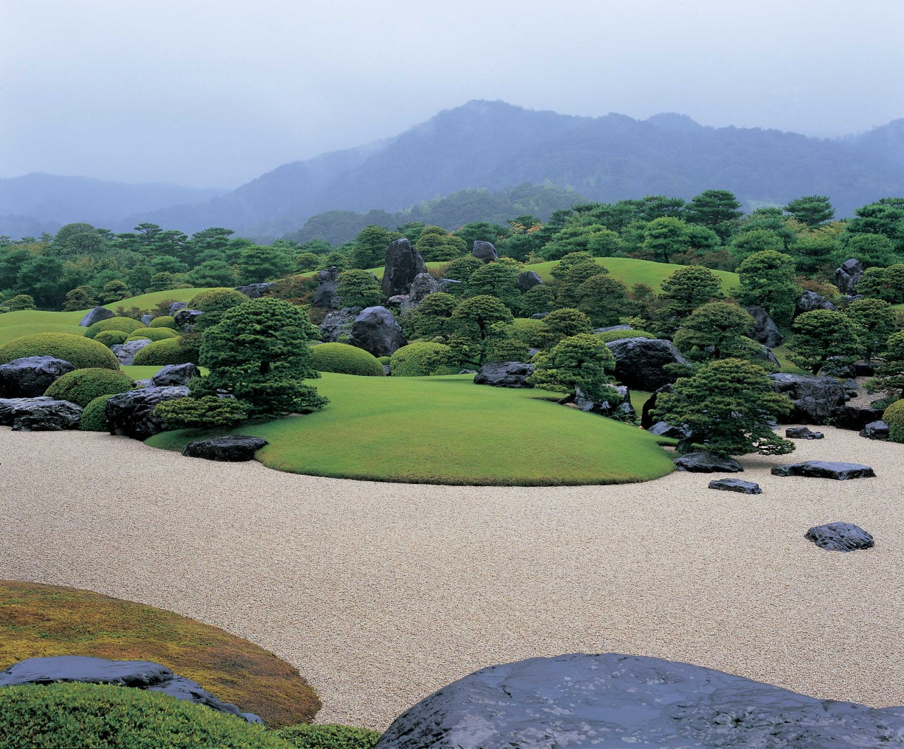 Soothing Garden Scenery in Shimane Prefecture